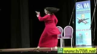 getlinkyoutube.com-ZARA AKBAR Dance at Punjabi Stage Drama CHALO CHALO UK CHALO