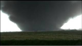 getlinkyoutube.com-Extreme Manitoba tornado! Violent wedge!