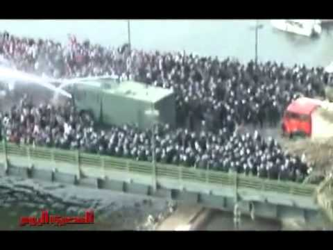 Amazing Courage of Egyptian Protesters! Must See!