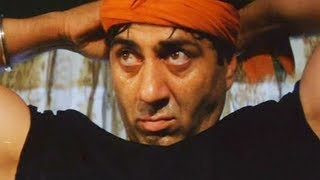 getlinkyoutube.com-Sunny Deol save Abbas from air bomb blast - Champion Movie - Action Scene
