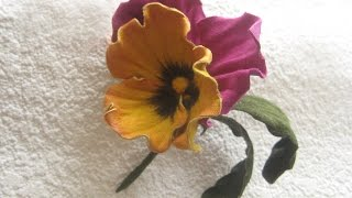 getlinkyoutube.com-Мастер-класс цветы из кожи. Брошь Анютка.