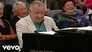 getlinkyoutube.com-Bill & Gloria Gaither - Goodby World, Goodby (Live)