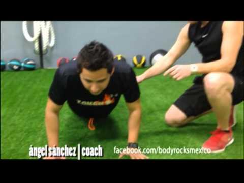 Como hacer lagartijas o push ups correctamente por Body Rocks México