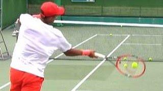 getlinkyoutube.com-イケメン黒人選手の気合練習!【世界スーパージュニアテニス・OSAKA MAYOR'S CUP Tennis2015】