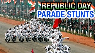 getlinkyoutube.com-Indian soldiers display amazing bike stunts at Republic Day parade | PM Modi | Barack Obama