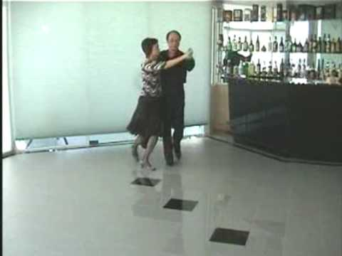 Silver Waltz , Australia Old Time  Dance    Dancers: Frankie and Rita 2004