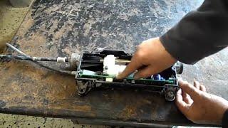 getlinkyoutube.com-Renault Scénic 2 reparation Parking frein électronique - اصلاح الفرامل اليد - mécanique mokhtar