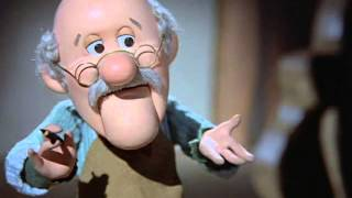 getlinkyoutube.com-Pinocchio's Christmas - Clip