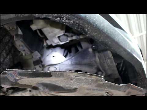 Где моторчик омывателя лобового стекла у Тойота Вилл