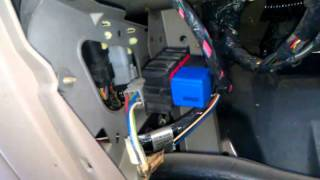 getlinkyoutube.com-How to change a signal or flasher relay on a 2000 Ford Excursion