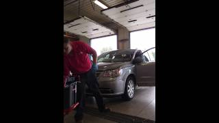 getlinkyoutube.com-2014 Chrysler town and country windshield replacement