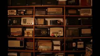 getlinkyoutube.com-O Mundo dos Rádios / The World of  Radios (Stop motion animation)