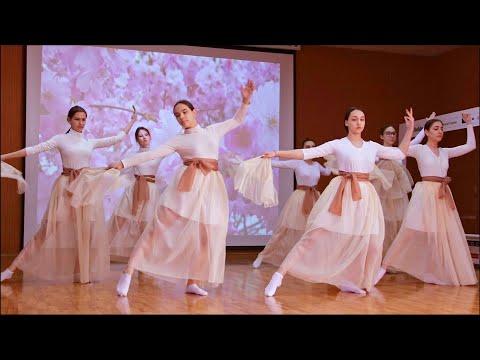 Танцевальные моменты с конкурса Многоликий мир в старших классах