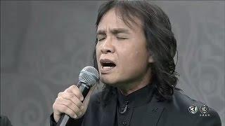 getlinkyoutube.com-'ครูสลา' ขับร้องบทเพลงซึ้งกินใจ 'เล่าสู่หลานฟัง' แสดงความอาลัยในหลวง ร.๙