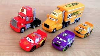 getlinkyoutube.com-Disney Cars Trucks Mack Semi Truck Octane Gain Hauler, Lightning McQueen car-toy Screaming Banshee