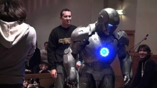 getlinkyoutube.com-Cosplay Iron Man Mark II Toulouse Game Show 2010