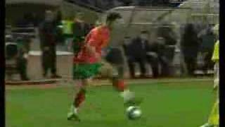 getlinkyoutube.com-Cristiano Ronaldo Vs Ronaldinho