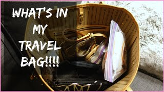 getlinkyoutube.com-VLOG STYLE WHAT'S IN MY TRAVEL BAG / CARRY ON - LOUIS VUITTON NEVERFULL MM - hollyannaeree