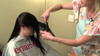 getlinkyoutube.com-How to do a V-cut  // V cut layering on women's hair