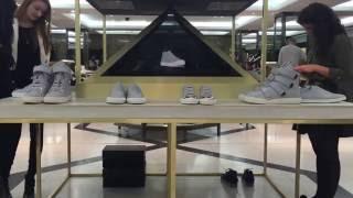 getlinkyoutube.com-Hologram Technology - Pyramid - Shoe Configurator Harrods London- Cospe