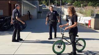 getlinkyoutube.com-BMX VS COPS