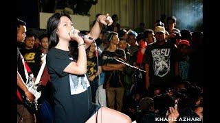 getlinkyoutube.com-Gania Alianda - Billfold - Destroy Without Hesitation Live At Ngawi Goes Punk #2