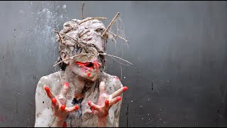 getlinkyoutube.com-Transfiguration - performance Olivier de Sagazan