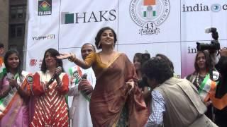 getlinkyoutube.com-Vidya Balan @ India Day Parade 2013 NYC