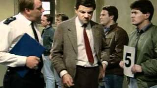getlinkyoutube.com-Mr Bean va la ciudad