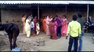 getlinkyoutube.com-Puja & her family dance at bihar dobhi