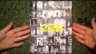 getlinkyoutube.com-Unboxing EXO 1st Album XOXO Repackage Growl (Kiss Version)