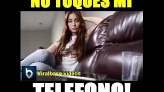 getlinkyoutube.com-Cuando dejas tu celular con tu novia