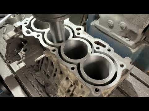 Запчасти в работе: расточка блока двигателя 1.8л бензин 1ZZ-FE от Toyota перед гильзовкой!