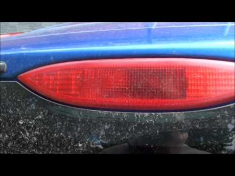 Nissan Note 1.6 меняем лампу стоп сигнала