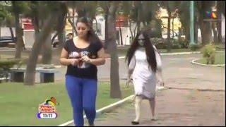 getlinkyoutube.com-Mexican Pranks [Girl who cries and scary] Prank