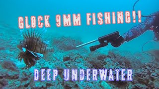 getlinkyoutube.com-Glock-Fishing Underwater | 9mm Handgun Shooting Lionfish