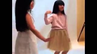 رقص بنوتات صغار رقص جميييل الله يحفظهم