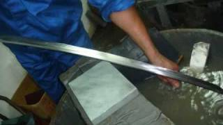 getlinkyoutube.com-Forging a Katana ( Japanese Samurai Sword )
