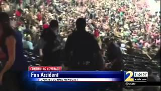 getlinkyoutube.com-Raw Footage- Atlanta Braves Fan Falls From Upper Deck at Turner Field and Dies RIP!