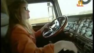getlinkyoutube.com-Documental  Maravillas modernas  Los camiones tambien paran