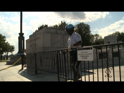 Veterans Cross Barricades to get into the World War II Memorial