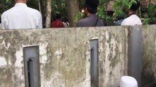 getlinkyoutube.com-Prosesi Pemakaman K.H Abdul Aziz Manshur - Talqin Oleh K.H Nurul Huda Djazuli, Beserta Doa