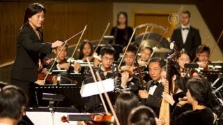 getlinkyoutube.com-Shen Yun Performing Arts Contrasts Eastern and Western Music