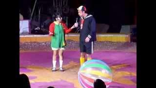 getlinkyoutube.com-En el Circo, la Vecinda del Chavo.