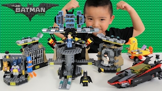 getlinkyoutube.com-The Batman Lego Movie Batcave Break-in Set Unboxing Assembling And Playing With Ckn Toys