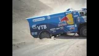 getlinkyoutube.com-DAKAR 2013 / paso de camiones y camionetas 1° Region Chile