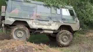 getlinkyoutube.com-Volvo TGB 11 - C303 Laplander extreme offroad, near crash
