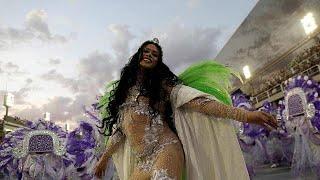 Las escuelas de samba encienden el sambódromo