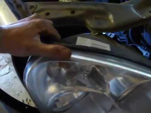 Как снять фару на автомобиле лада ПРИОРА
