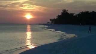 getlinkyoutube.com-Maldives 2013 - Kuredu Island